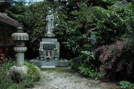 禅林寺の石仏