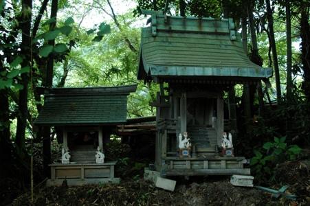 阿蘇神社裏の祠