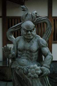 東光寺の仁王像