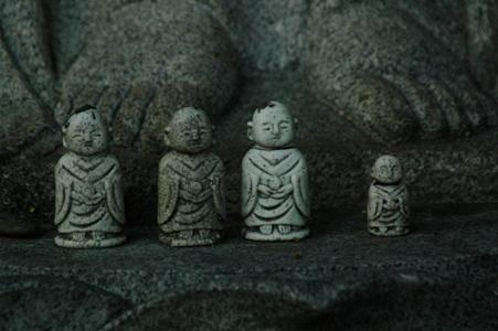 東光寺の地蔵たち