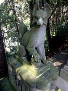 稲荷社の狐