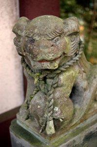 愛宕神社の狛犬ん行