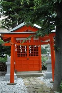 八雲神社の稲荷