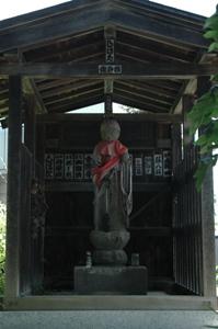 高木神社近くの地蔵堂