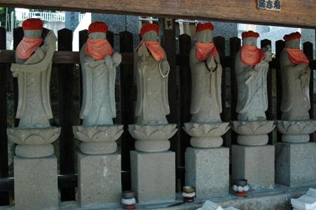 霊性庵の六地蔵