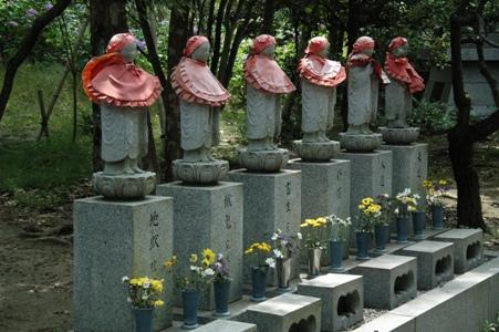 真照寺の六地蔵
