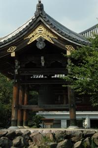 拝島大師の鐘楼