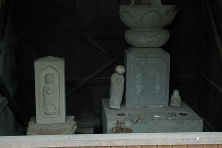 竜泉寺の石仏