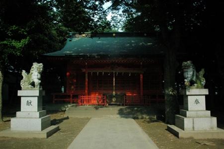 小野神社の狛犬と本殿
