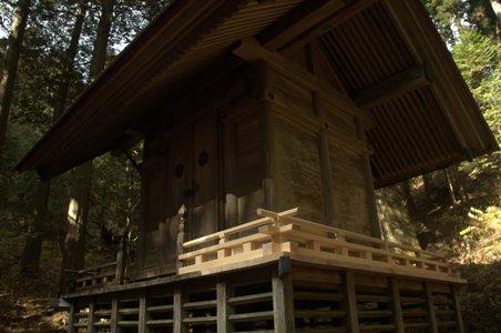 大岳神社神殿