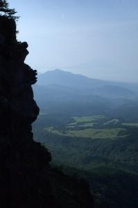 登山道からの眺め&うっすら富士