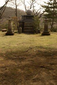 天祖神社忠魂碑