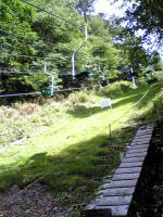 剣山登山道のトンネル
