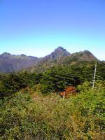 西側から眺めた石鎚山4