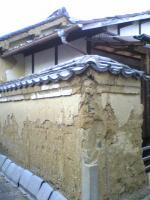 粟島の土塀2