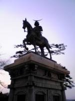 仙台城跡伊達政宗公の銅像1