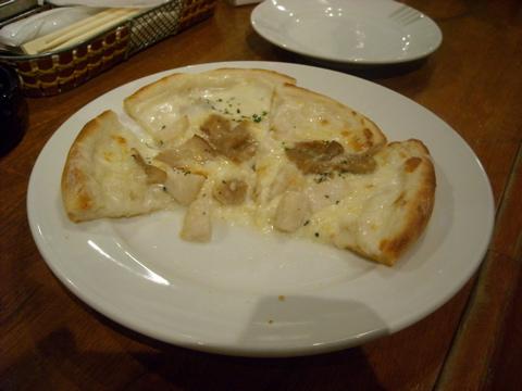 ホタテとポルチーニのピッツァ