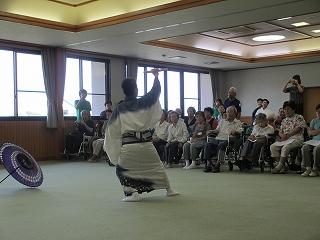 慰問(踊り2)