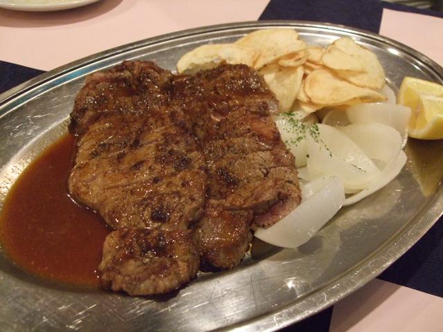 牛ロースとイチボ肉のステーキ