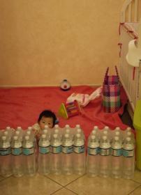 10日 ペットボトルの壁