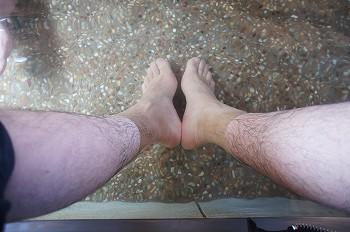 道の駅みよしの足湯:汚くてゴメンなさいね。