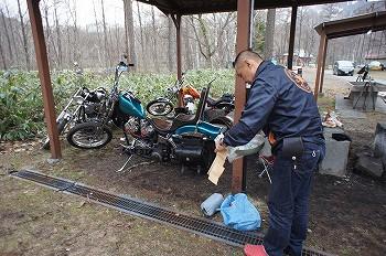 バイク避難。