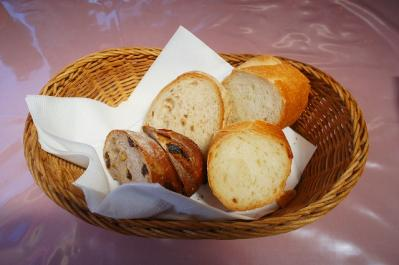 パンも無料で付いてきますよ~