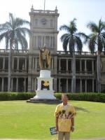2013.11.21 カメハメハ大王の銅像の前で