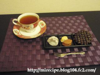 紅茶とお菓子たくさん☆