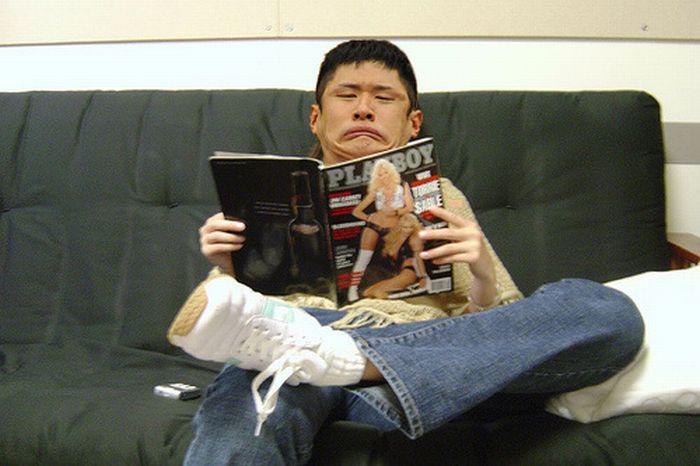たまに電車の中で、スポーツ新聞読みながらこんな顔してるおじさんいますよね
