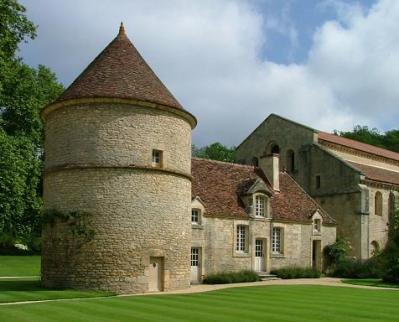 Abbaye_de_Fontenay.jpg