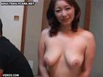段腹熟女 : 「俺の母ちゃん家にいる時はいつも全裸なんだよね!」って言う友達、俺も欲し~~い!