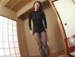 裏蕩劇場 : 【無修正】パッツンパッツンやミニスカを着せられて興奮していくムッチリボディの熟女!