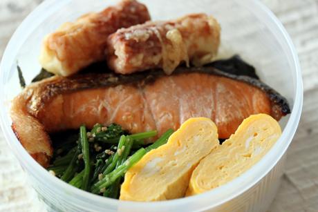 海苔鮭弁当