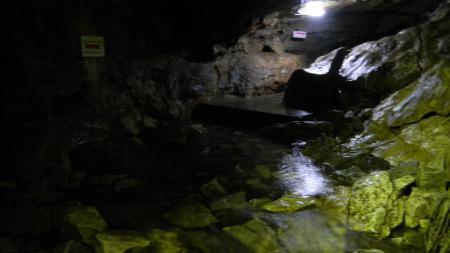 入水鍾乳洞3