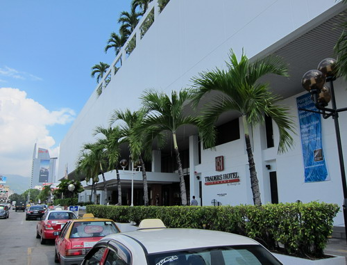 1-Traders Hotel 02