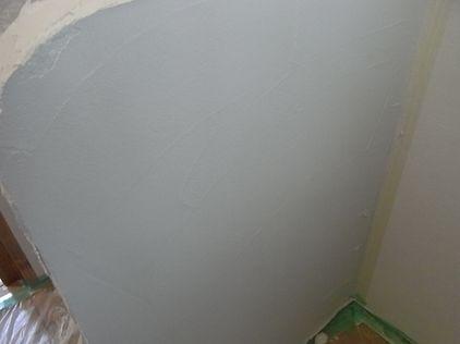 塗り壁 コテ塗り 1回目 コテ仕上げ