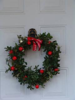 tnH21-12-04完成したクリスマス用リース (5)