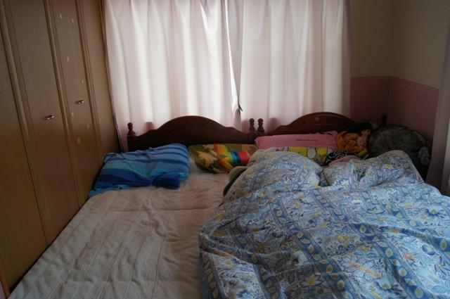 ベッドに占拠された部屋