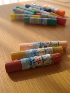 crayonHolder01.jpg