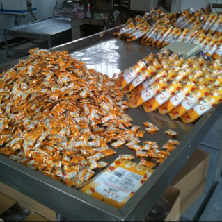 竹製菓|検品台