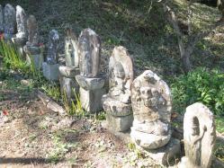 石仏 聖峰