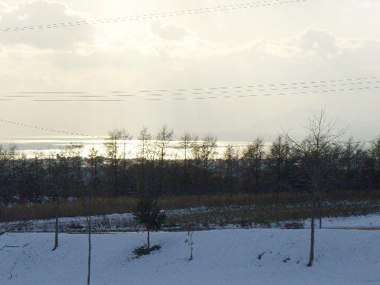 雪の函館湾