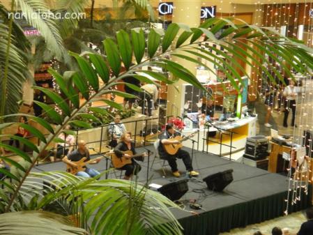 Sistah Robi live1