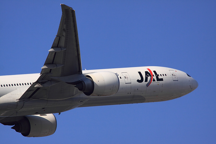 JAL B777-346ER JAL3002@下河原緑地展望デッキ(by EOS 50D with SIGMA APO 300mm F2.8 EX DG/HSM + APO TC1.4x EX DG)