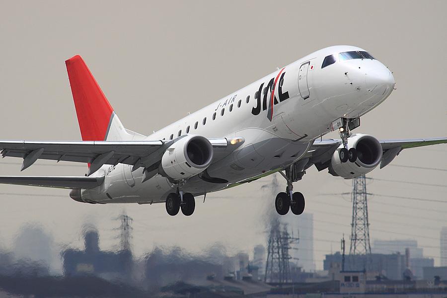 J-AIR ERJ-170-100 JAL2203@下河原緑地展望デッキ(by EOS50D with SIGMA APO 300mm F2.8 EX DG/HSM + APO TC2x EX DG)