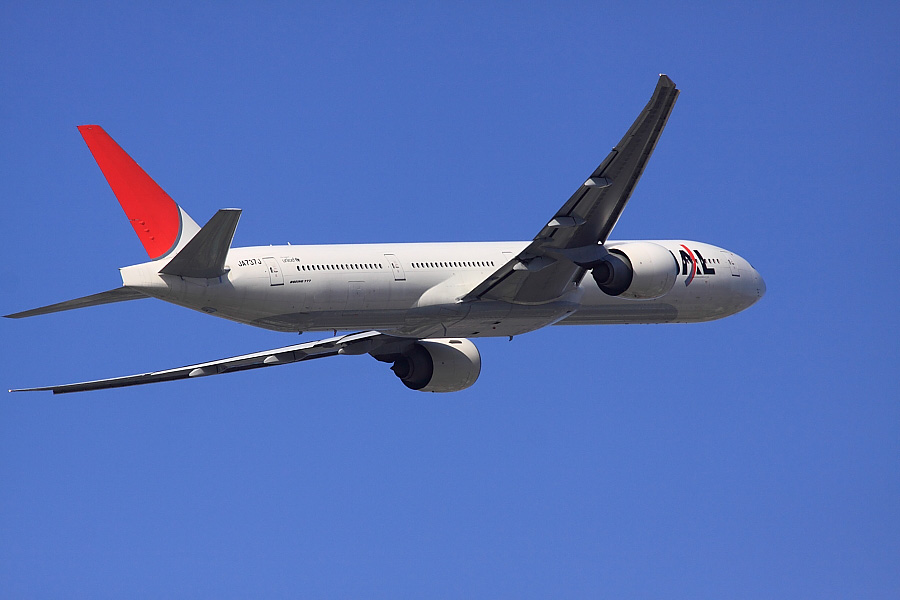JAL B777-346ER JAL3002@下河原緑地展望デッキ(by EOS 50D with SIGMA APO 300mm F2.8 EX DG/HSM)