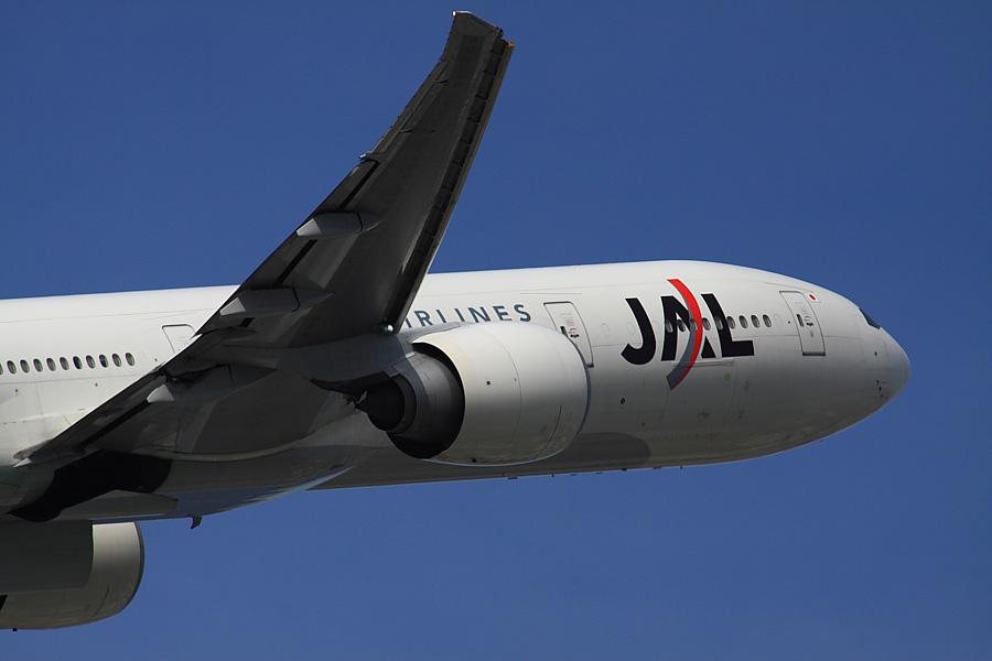 JAL B777-346ER JAL3002@下河原緑地展望デッキ(by EOS50D with SIGMA APO 300mm F2.8 EX DG/HSM + APO TC2x EX DG)