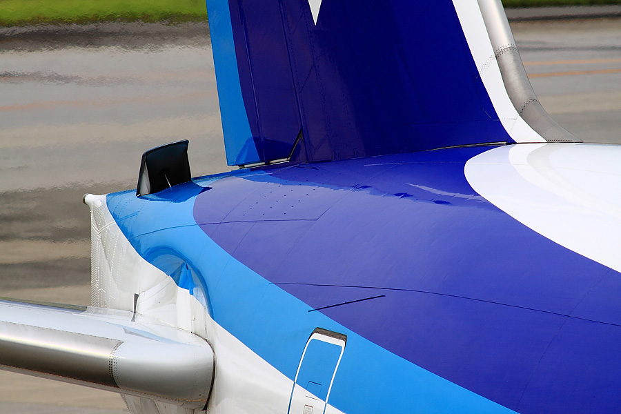 ANA B777-381 JA735A(ANA105)@大阪国際空港展望デッキ/ラ・ソーラ(by EOS50D with SIGMA APO 300mm F2.8 EX DG/HSM)