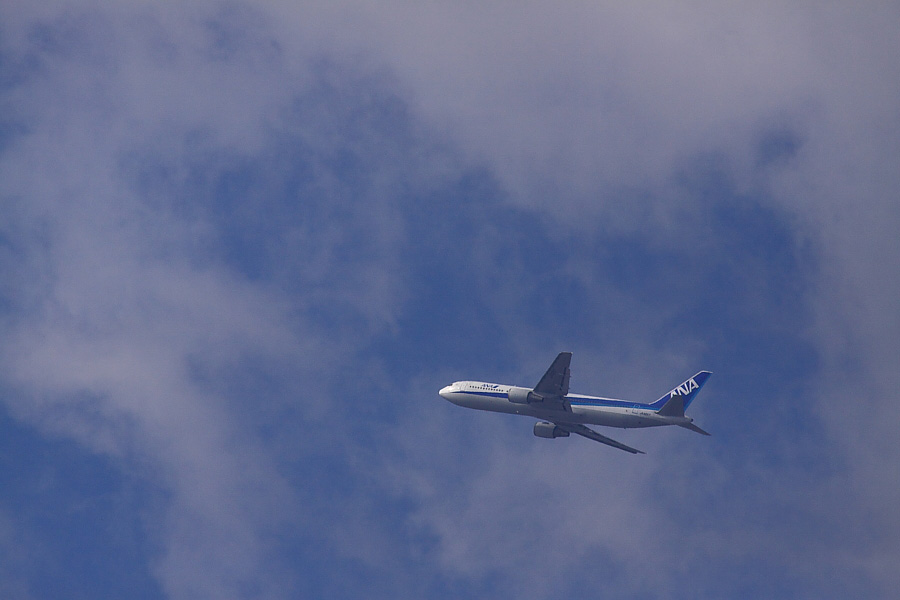 ANA B767-381 ANA733@下河原緑地展望デッキ(by EOS 50D with SIGMA APO 300mm F2.8 EX DG/HSM + APO TC2x EX DG)